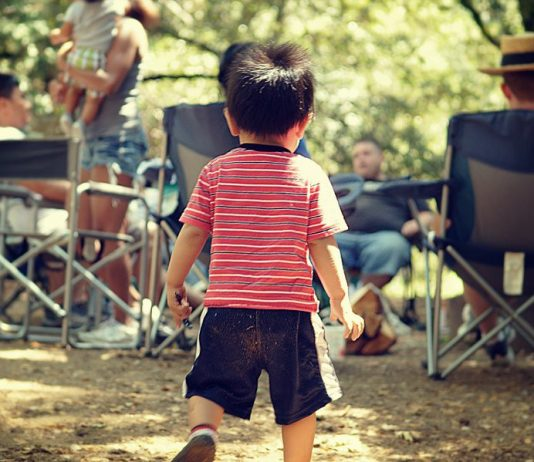 18 Spectacular Camping Activities for Toddlers